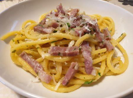 """Crioli al prosciutto crudo detti alla """"Campuasciana"""" (ricetta del suocero)"""